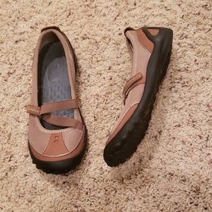 Privo by Clark's Brown Flats Sneakers Shoes 6M